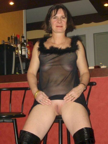 Femme cougar réellement sexy recherche un homme accompli