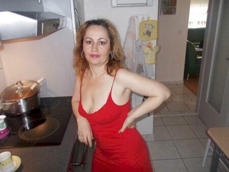 Femme cougar sexy cherche un libertin sur les Hautes-Alpes