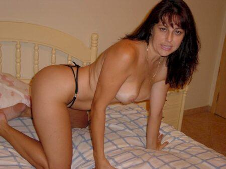 Femme cougar sexy sur le Haut-Rhin qui est seule