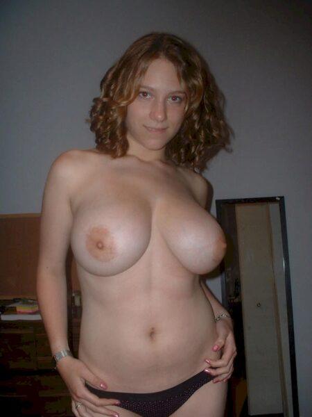 Femme séparée qui a une grosse envie