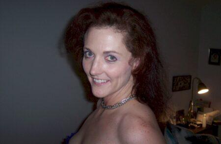 Pour libertin propre dispo qui souhaite une coquine sexy